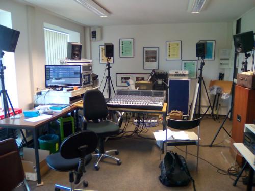 ケルン大学内の音響スタジオ